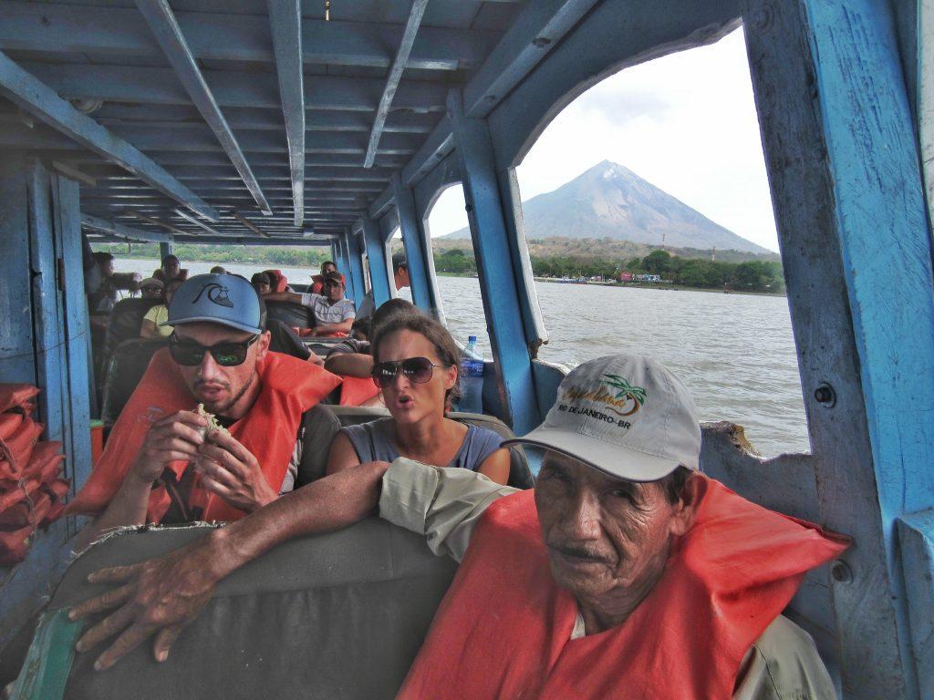Ferry pour aller et venir de Ometepe, Nicaragua