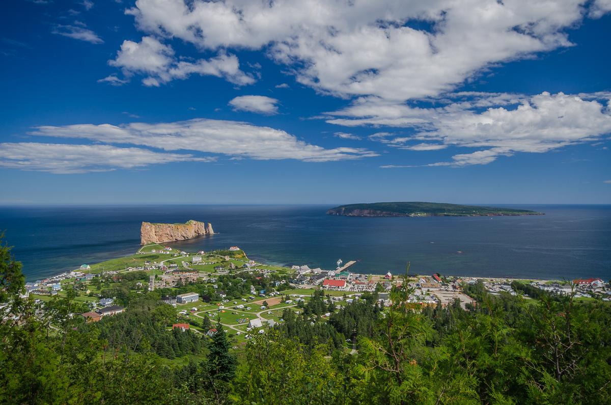 Percé vue depuis le mont Saint-Anne.