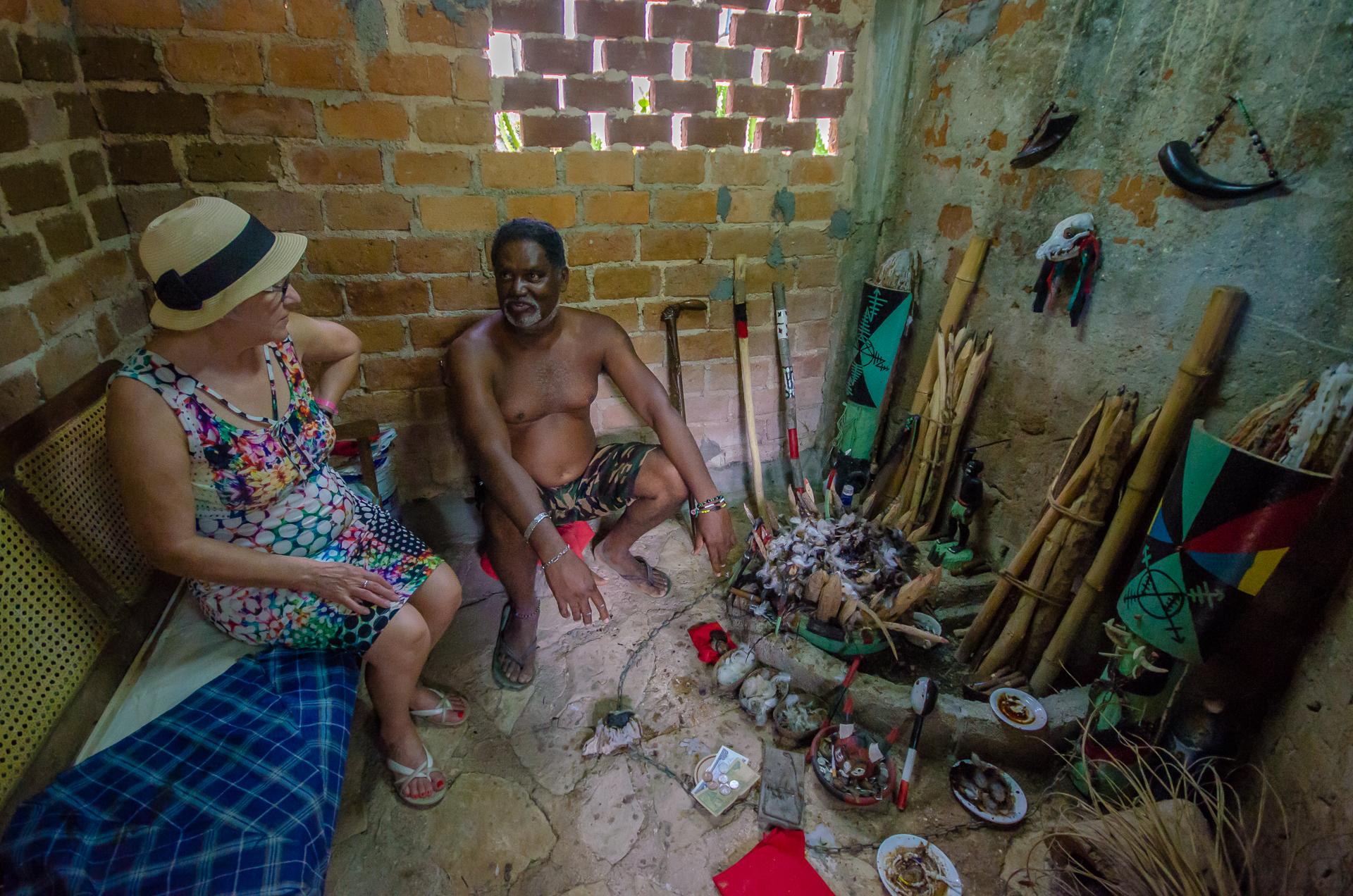 Visite chez un Santero, Rafael Freyre, Holguin, Cuba