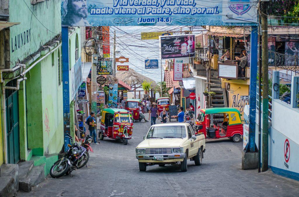 Le coin de rue touristique de San Pedro