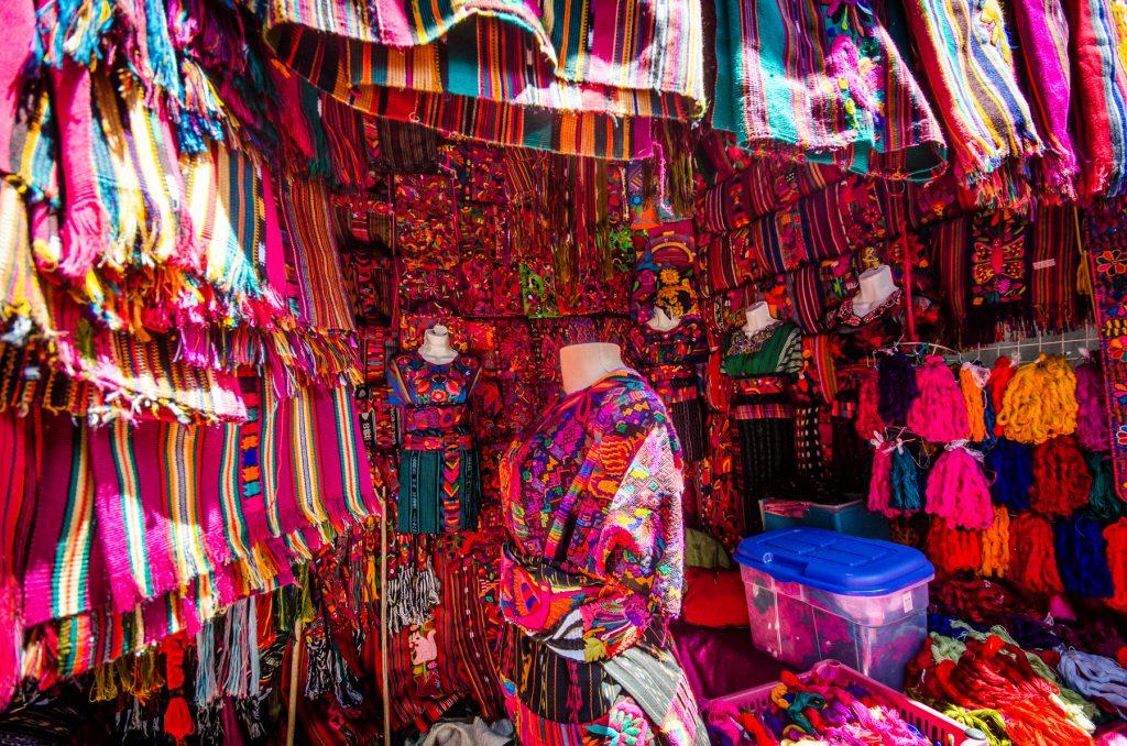 Les couleurs au marché de chichicastenango