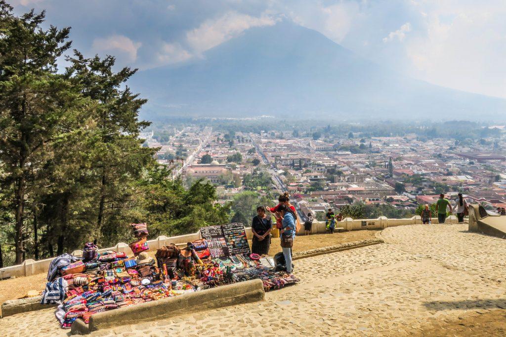 Des vendeurs au Cerro de la Cruz